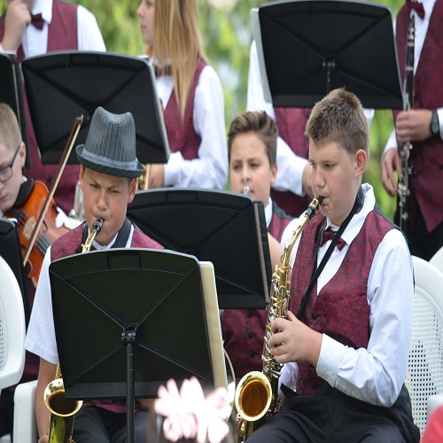 boys in performing band